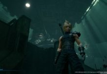 Final Fantasy VII Remake. Cloud in primo piano sotto la piattaforma di Midgar
